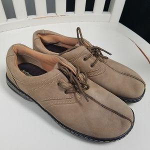Softspots suede leather lace up shoes size 7